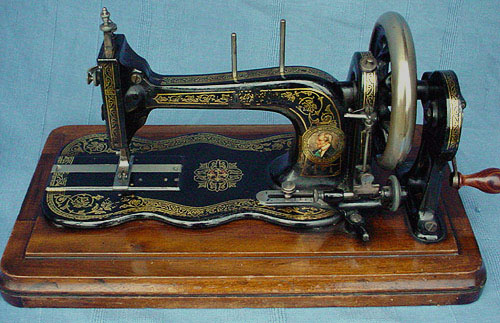dating singer machines Singer sewing machines were first manufactured in 1851 the manufacture dating provided here on our web site is reproduced from the original company register number log books because we have not been able to locate the log books, serial numbers for the years 1851 to 1870 are not available at this time.